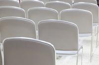 告別式の参列席