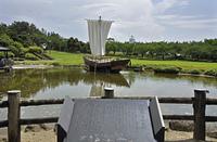 初夏の酒田・日和山公園の池に浮かぶ千石船