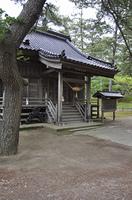 初夏の酒田・招魂祭殿