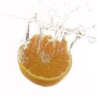 水に落としたオレンジ