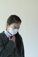 喉が痛い中学生