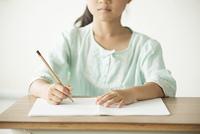 勉強をする小学生の手元