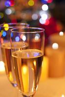 シャンパンとイルミネーション