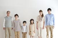 3世代家族のポートレート