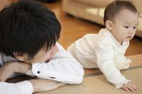 父親と赤ちゃん