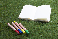 ノートと色鉛筆