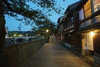 宵闇の茶屋街 主計町