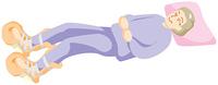 横たわる高齢の女性
