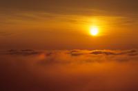 雲海の朝日