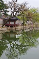 慶会樓を囲む池