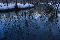 冬の梓川・水面のゆらめき