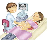 超音波検査を受ける妊婦