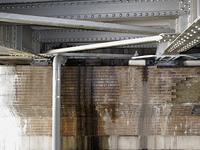 橋桁の漏水