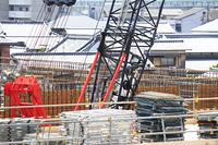 建築工事現場のクレーン