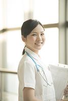 微笑む看護師
