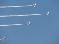 ブルーインパルス 飛行機 空 背景