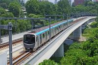 広瀬川を渡る仙台市営地下鉄