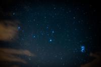 青く光り輝くスバル