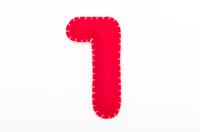 赤いフェルトの数字 1