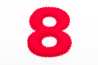 赤いフェルトの数字 8