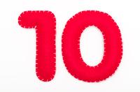 赤いフェルトの数字 10