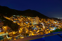 夜の甘川文化村