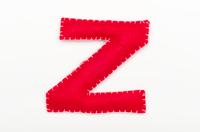 赤いフェルトのアルファベット Z