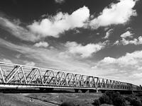 荒川放水路にかかる鉄橋