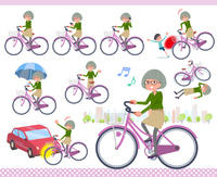 flat type green shirt old women_city cycle