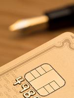 クレジットカードとペン