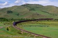 モンゴルを走る貨物列車