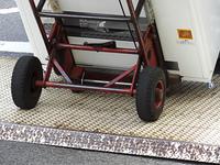 自動販売機を運ぶ台車