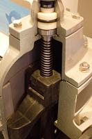 水道送水管の仕切弁の断面
