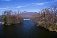 遊覧船と駒ケ岳
