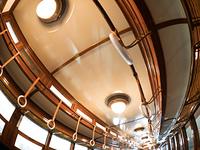 レトロな電車の客室