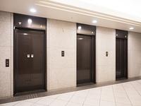 オフィスビルのエレベーター