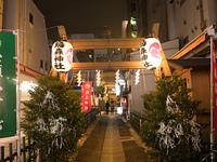 新橋 烏森神社の参道