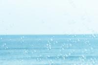 海とシャボン玉
