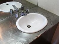 ステンレスの洗面台