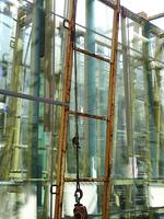 ビルの窓用の板ガラスの運搬