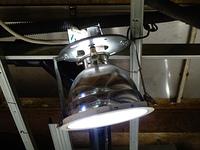 天井のLEDライト