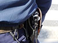 警察官のピストル