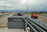 神通川に架かる富山大橋