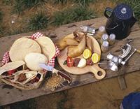 屋外の食卓