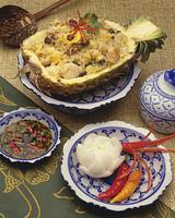 パイナップルボートの炒飯 タイ料理
