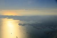 横浜港上空