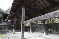 聖福寺の渡り廊下と鬼塀