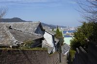 祈念坂と長崎港