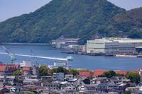 長崎湾に滑り込むジェットフォイル
