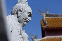 孔子廟の石像と大成殿